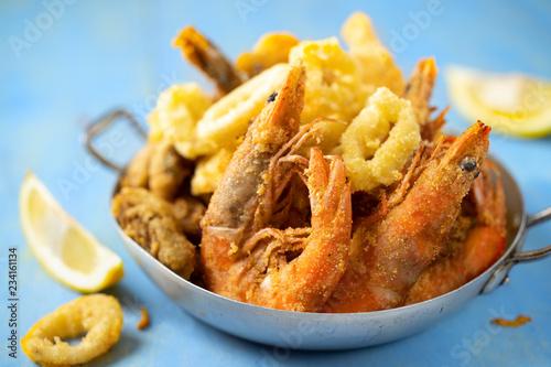 Fototapeta rustic italian fried seafood fritto misto obraz