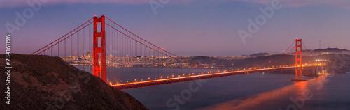 Cuadros en Lienzo Golden Gate Bridge at night