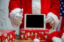 Christmas Ready Santa Claus De...