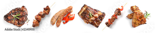 Poster Aromatische Set with delicious meat on white background, top view. Barbecue recipes