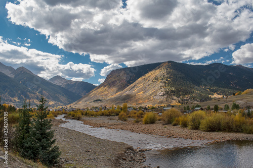 Fotografie, Obraz  Town of Silverton with River