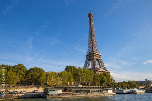 Deurstickers Eiffeltoren PARIS, FRANCE, SEPTEMBER 8, 2018 - The Eiffel Tower from the river Seine in a sunny day in Paris, France