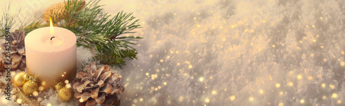 Leinwand Poster Christmas Winter Panorama  -  White candle in sparkling snow landscape