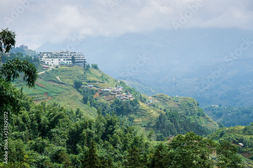 Fotografia  Beautiful landscape of valley in Sapa area, in the north of Vietnam