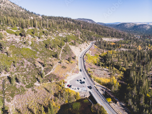 Keuken foto achterwand Verenigde Staten View of Twin Lakes, Lake George, the southeastern slope of Mammoth Mountain, Mono County, eastern California, eastern Sierra Nevada, Inyo National Forest, shot from drone, summer view