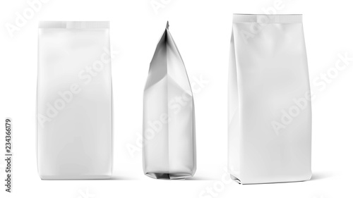 Obraz Set of mockup bags isolated on white background. Vector illustration. Can be use for your design, presentation, promo, ad. EPS10. - fototapety do salonu