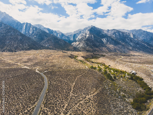 Keuken foto achterwand Verenigde Staten View of Lone Pine Peak, east side of the Sierra Nevada range, the town of Lone Pine, California, Inyo County, United States of America, John Muir Wilderness, Inyo National Forest, shot from drone