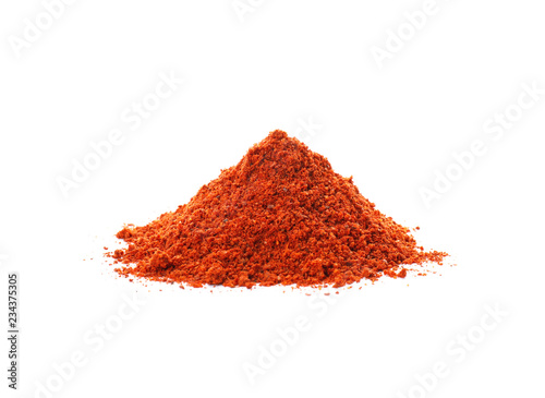Autocollant pour porte Herbe, epice Heap of chili pepper powder on white background