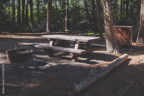 Keuken foto achterwand Verenigde Staten View of american camping place, campground, with table, fire pit, bench and bearproof food lockers in California, Mammoth Lakes, Inyo National Forest, United States
