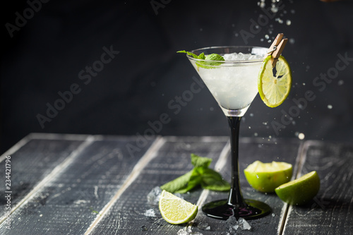 Staande foto Cocktail lime margarita cocktail