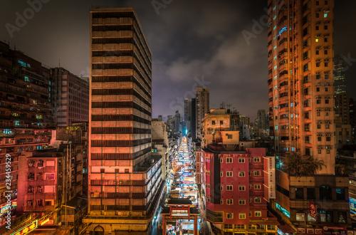 Tuinposter Aziatische Plekken Temple Street Night Market in Hong Kong