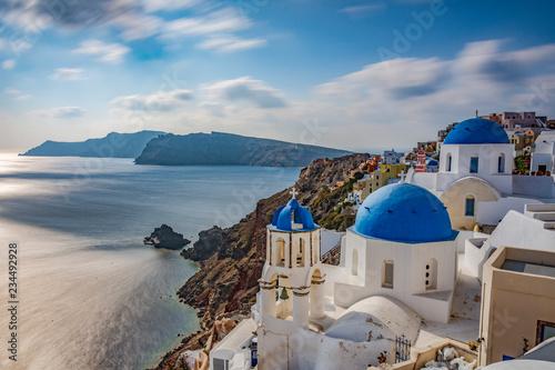 Foto auf AluDibond Santorini LE TRE CUPOLE BLU, SANTORINI