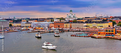 Canvas Print Helsinki cityscape with Helsinki Cathedral and Market Square, Finland