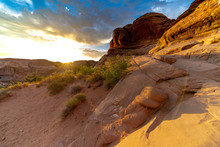 Sunrise On The Delicate Arch T...