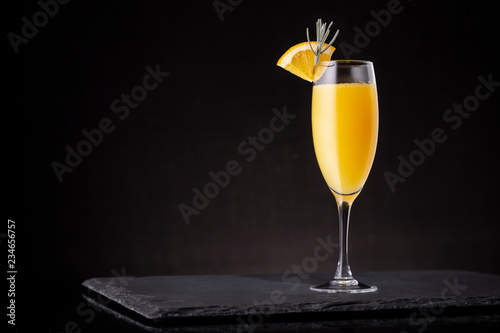 Deurstickers Cocktail Refreshing mimosa cocktail