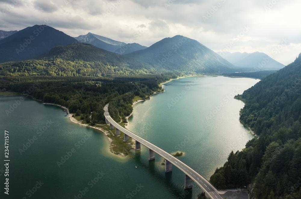 Sylvensteinspeicher - Luftaufnahme Bayern - Deutschland von oben (Natur Wasser Straße)