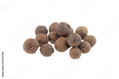 Fotografia allspice isolated on white background
