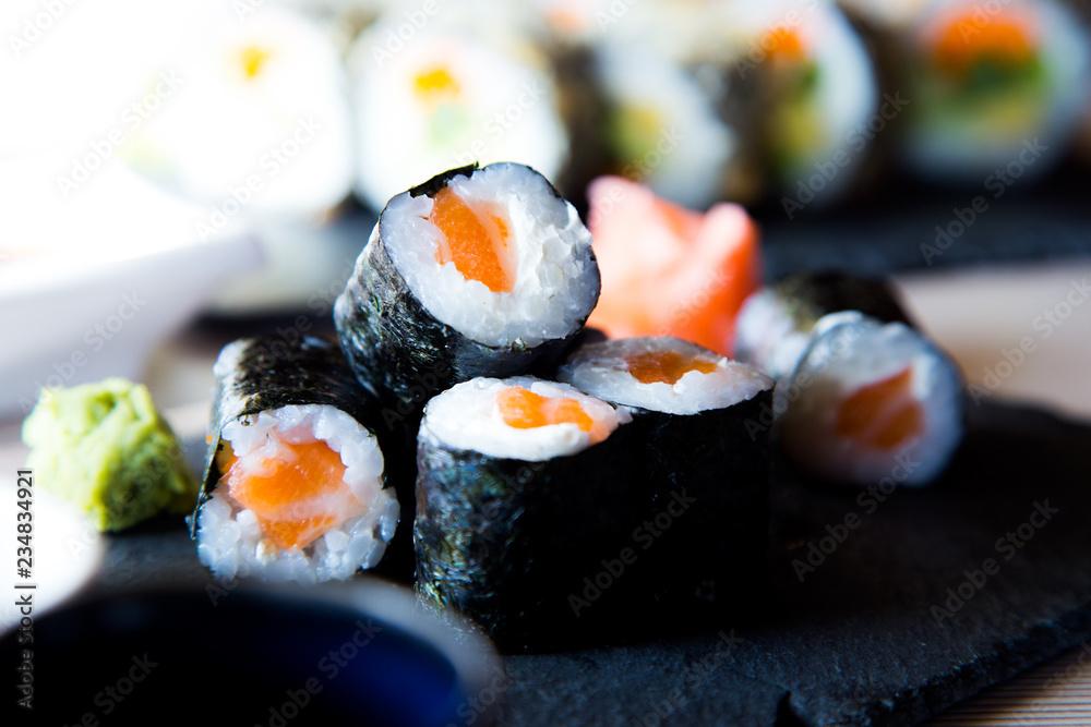 Fototapety, obrazy: Maki Salmon Japanese Sushi