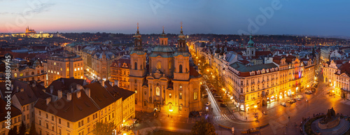 Poster Madrid Prague - The panorama with the St. Nicholas church, Staromestske square and the Old Town at dusk.