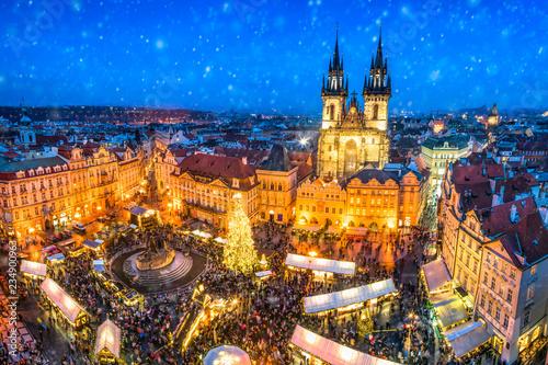Obrazy Praga  jarmark-bozonarodzeniowy-na-rynku-w-pradze-czechy