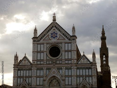 Fotografie, Obraz  La basílica de la Santa Cruz (en italiano, Basilica di Santa Croce) es una destacada basílica renacentista italiana levantada en la ciudad de Florencia