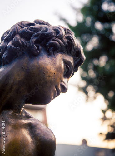 Fotobehang Historisch mon. male bronze statue Mexico