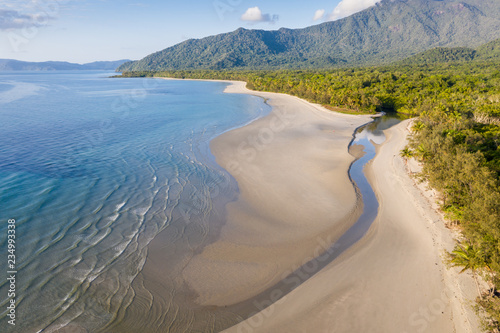 Autocollant pour porte Océanie Aerial View of Noah Beach in the Daintree area of tropical far north Queensland. In this beautiful section of coast the rainforest meets the sea.
