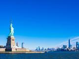 Fototapeta Nowy Jork - 自由の女神とマンハッタンの摩天楼