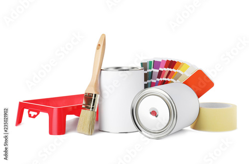 Fotomural  Set of painting tools on white background. Mockup for design