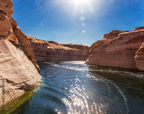 Fotografie, Obraz  Cruising Lake Powell at Page USA