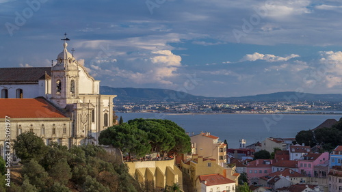 Photo  Lisbon during sunset aerial panorama view of city centre with Sophia de Mello Br