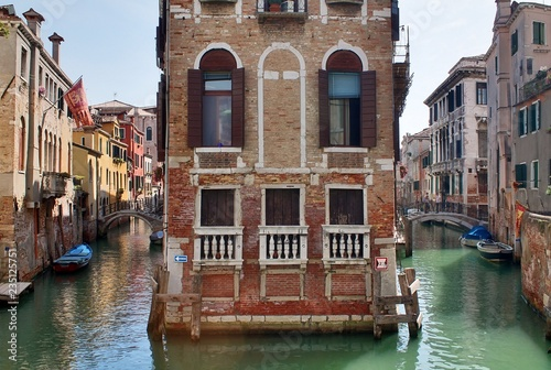 Fototapety, obrazy: Beautiful tourism shots of venice in italy showing buildings canals and old venetian architecture