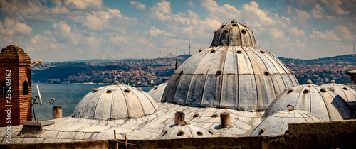 Ciudad de vieja de Estambul con Bósforo,Turquia Canvas Print