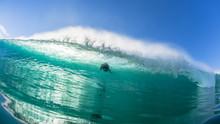 Surfer Underwater Escape Ocean Wave Danger