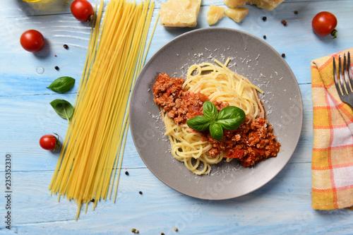 Tasty homemade spaghetti bolognese Tableau sur Toile