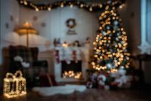 Empty, Defocuded Christmas Roo...