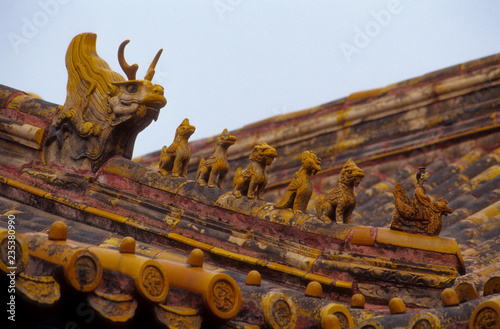 Fotografia  Ornamental Roof on the Forbidden City in Beijing, China