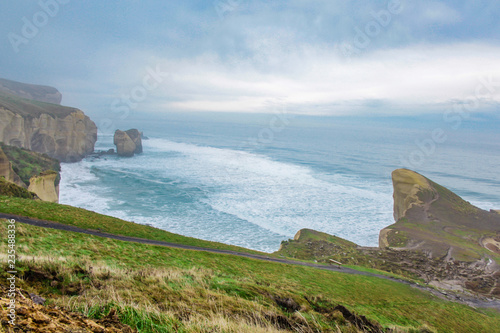 Photo  Tunnel Beach during early morning hours, near Dunedin, Otago, South Island, New