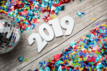 Obraz na PlexiNYE2019: 2019 Year Numbers With Mirrored Disco Ball