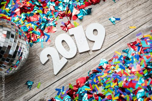 Fotografia  NYE2019: 2019 Year Numbers With Mirrored Disco Ball