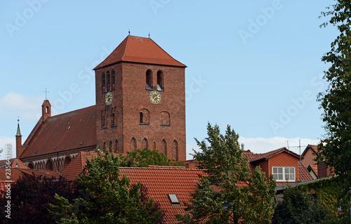 Fotografie, Obraz  Kirche Sankt Georgen in Waren am Müritzsee