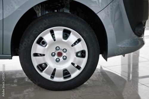 Fotografia  Car Back Wheel Close-up