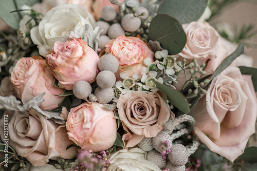 Pinturas sobre lienzo  Wedding bouquet in shades of dusty rose, white, green, beige, pink and purple