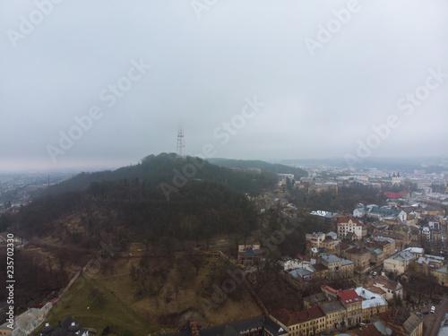 Poster Lieux connus d Amérique european city in mist weather. birds eye view concept