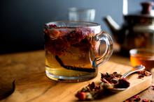 Vanilla Tea With Rose Petals O...