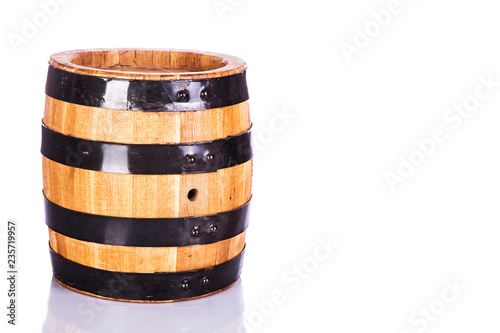 Tuinposter Bier / Cider Wooden oak barrel isolated on white background