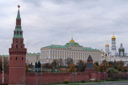 Fotobehang Moskou Red Square With Spasskaya Tower, Tsar Tower, Kremlin Wall and Moskva River view, Moscow, Russia