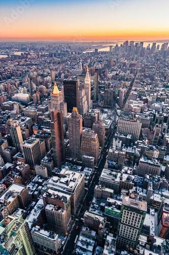 Fotografía  Dusk in Lower Manhattan, New York, United States.