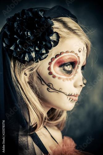 Spoed Fotobehang Halloween beautiful halloween girl