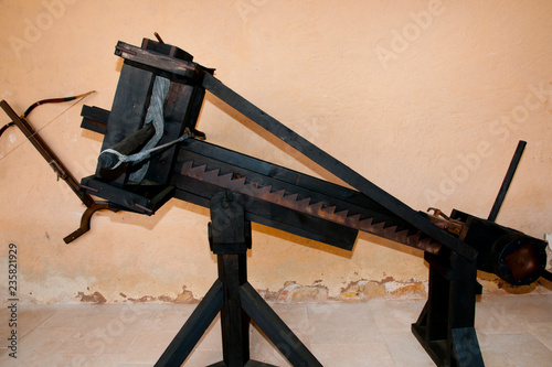 Fotografía  Ancient Ballista Missile Weapon